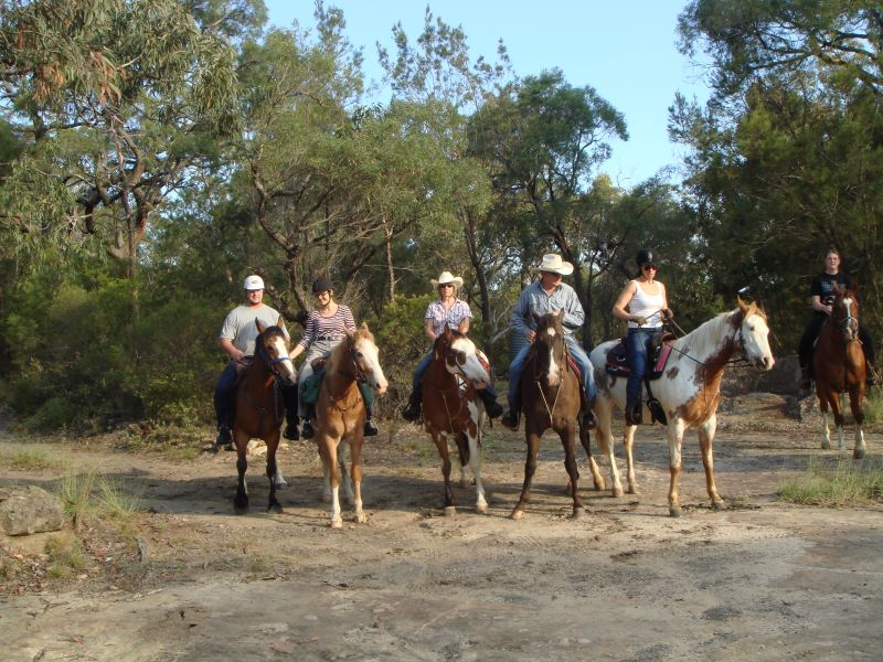The first ride of the weekend at Kurrajong Trails and Cottages. A fantastic spot to take you and your horse for a hoilday!